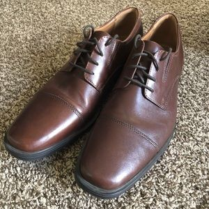 Clarks Men's Brown Leather Dress Shoes